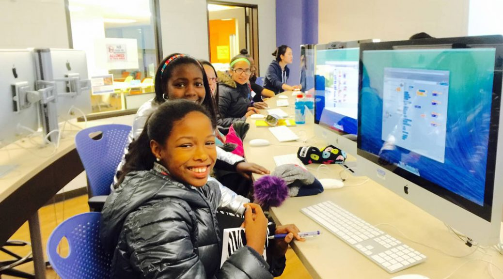 A group of students at the Girls Who Code Club at UIC (credits: UIC)