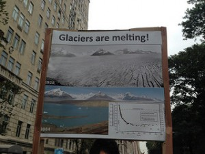 Scientists marched with charts instead of protest signs in Manhattan (Alice Bell/flickr)