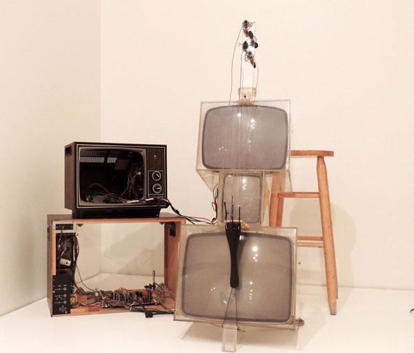 "Granof said, ""people were kind of receptive"" to the TV Cello. (Elizabeth Bacharach/MEDILL)"