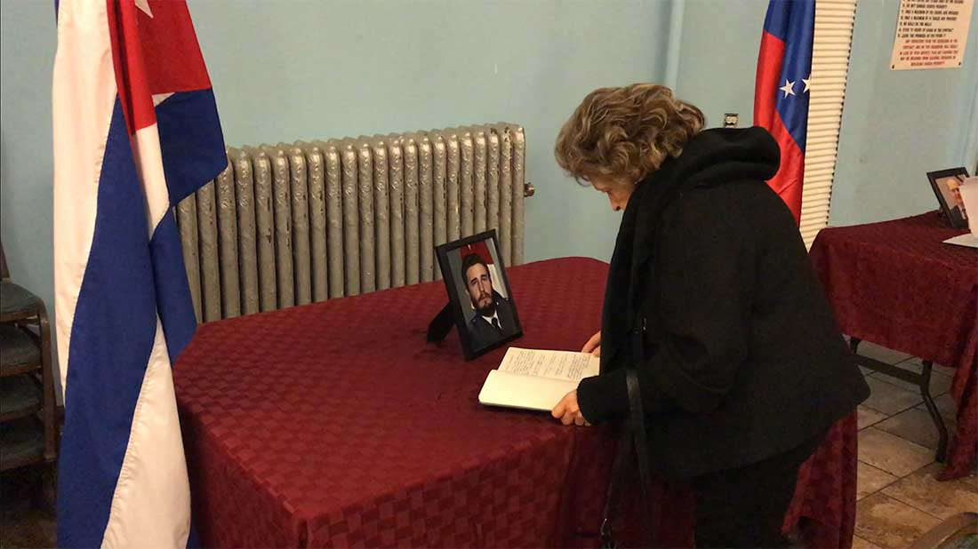 Signing tributes to Fidel